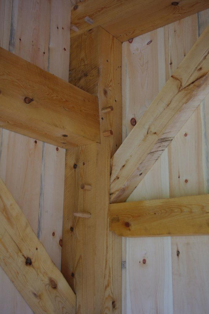 shed-detail-corner